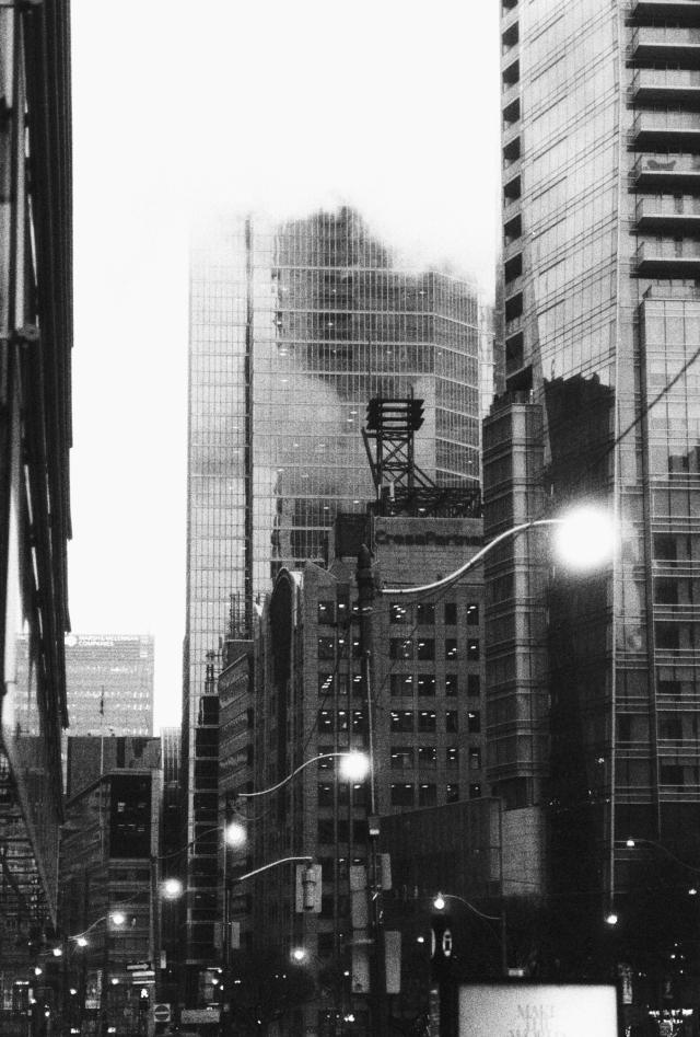 Clouds in Downtown Toronto - Visuelles Logbuch by Dennis Riebenstahl