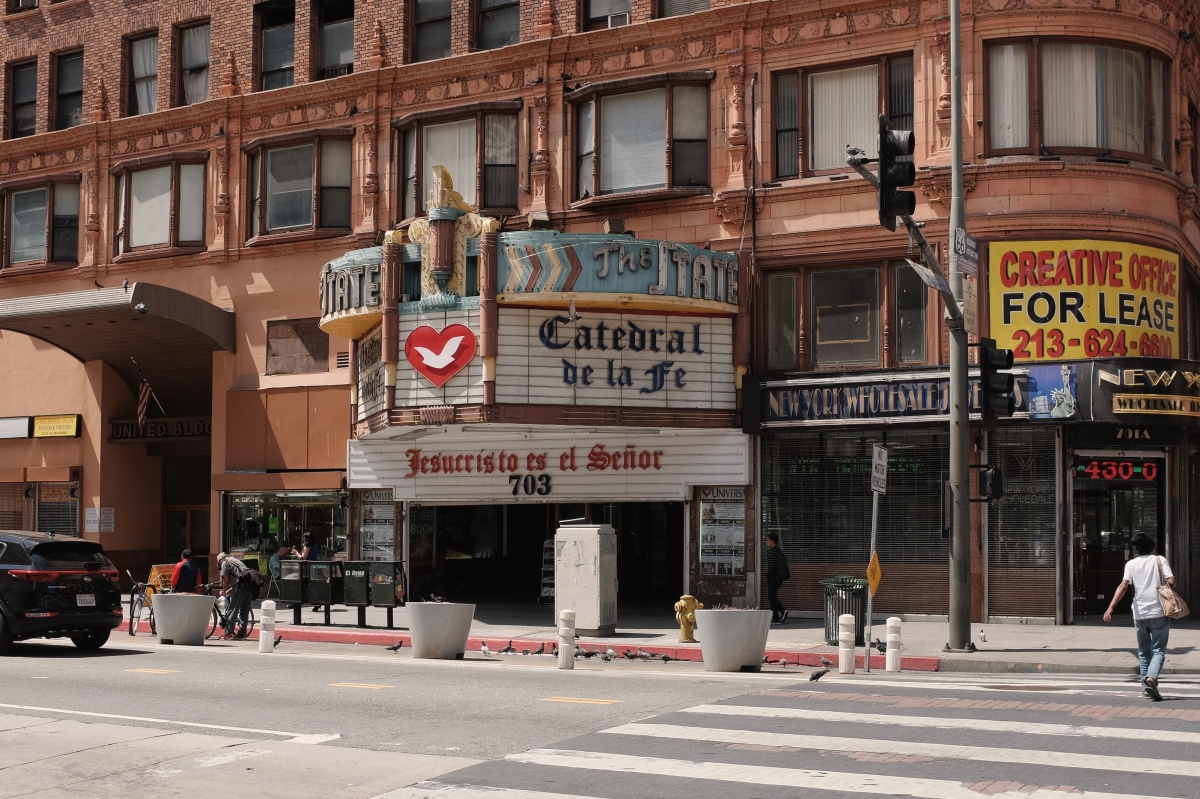 The State Theater – Street Photography by Dennis Riebenstahl