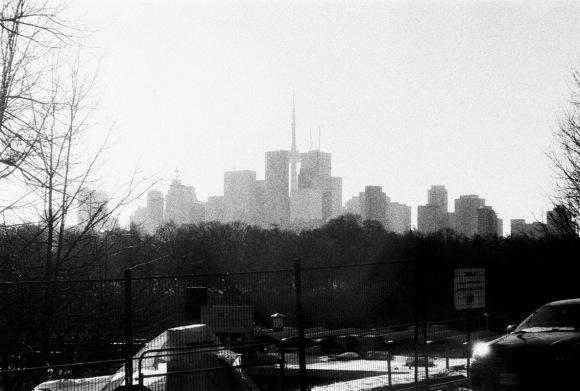 Toronto's Distant Skyline as seen from Broadview - Visuelles Logbuch - Toronto Street Photography by Dennis Riebenstahl