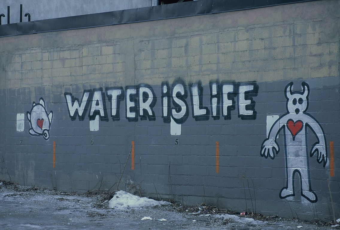 Water is Life – Graffiti in Toronto – Street Photography by Dennis Riebenstahl