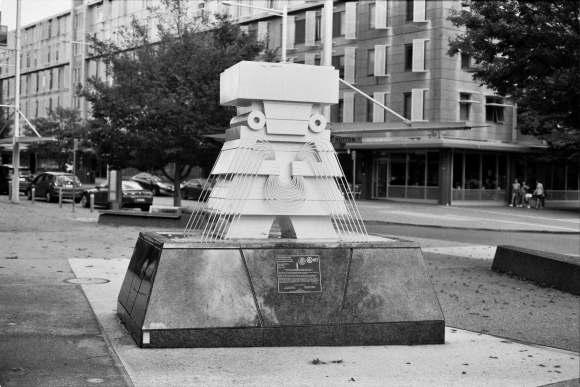 Canberra Sculpture Chalchiuhtlicue (The Godess of Water) - Visuelles Logbuch